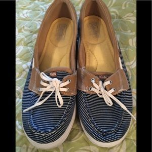 Keds size 10 boat shoes